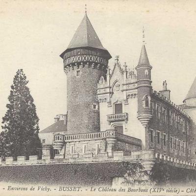 03-Busset - 1354 - Château des Bourbons, côté Sud