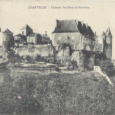 03-Chantelle - Château des Ducs de Bourbon (A.Denizot)