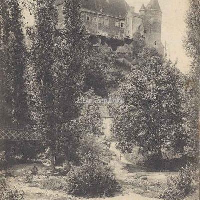 03-Chantelle - Château des Ducs de Bourbon (P.Chavenon, lib.)