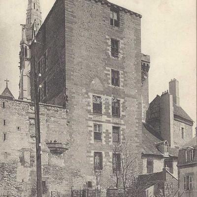 03-Moulins - 24 - Château des Ducs de Bourbon (ND Phot)