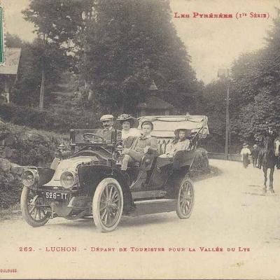 1 - 262 - Luchon - Départ de Touristes pour la Vallée du Lys