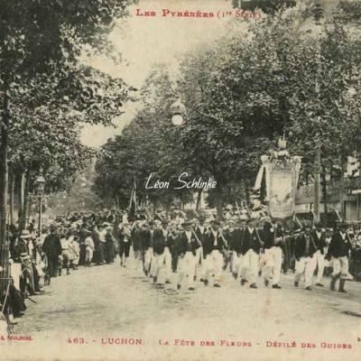 1 - 463 - Luchon - La Fête des Fleurs, défilé des Guides