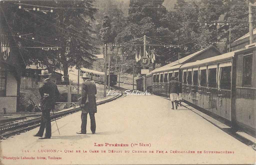 1 - 744 - Luchon,  Quai de la Gare du Train à crémaillère