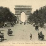 1 - PARIS - L'Arc de Triomphe et les Champs-Elysées