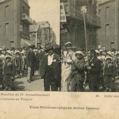 10 - Défilé dans les Rues