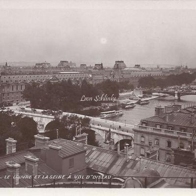 104 - Le Louvre et la Seine à vol d'oiseau