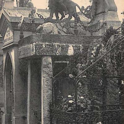 108 - Célèbre Dompteur Pezon, créateur des Ménageries