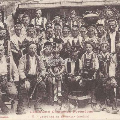 11 - Costumes de Bethmale (Ariège)