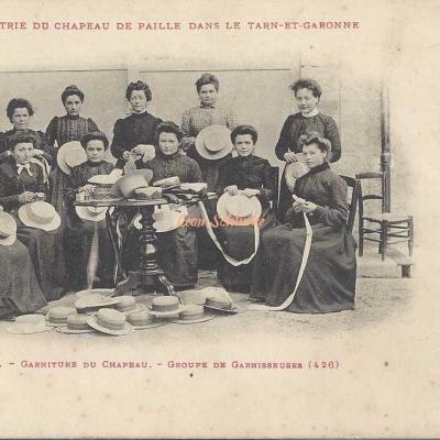 11 - Garniture du Chapeau - Groupe de Garnisseuses