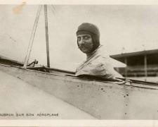 110 - Aubrun sur son Aéroplane