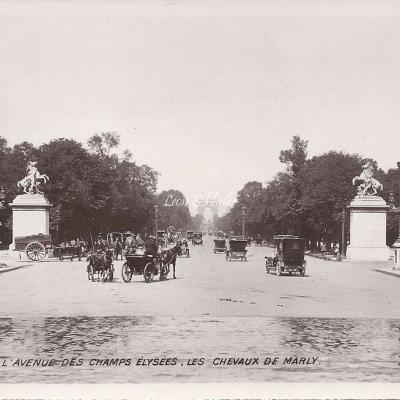 113 - L'Avenue des Champs-Elysées, les Chevaux de Marly