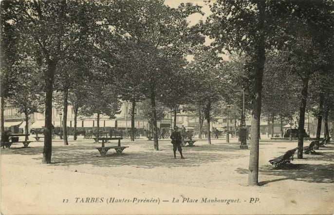 12 - La Place Maubourguet