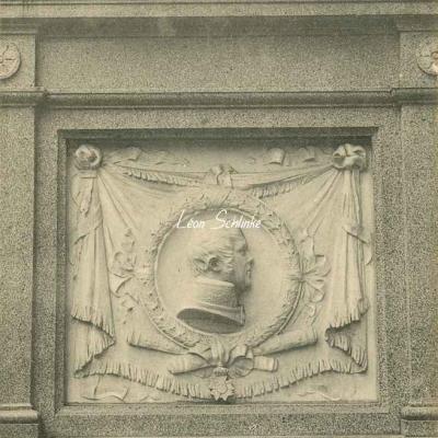 121 - Médaillon du Tombeau du Maréchal Ney