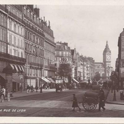 123 - La Rue de Lyon