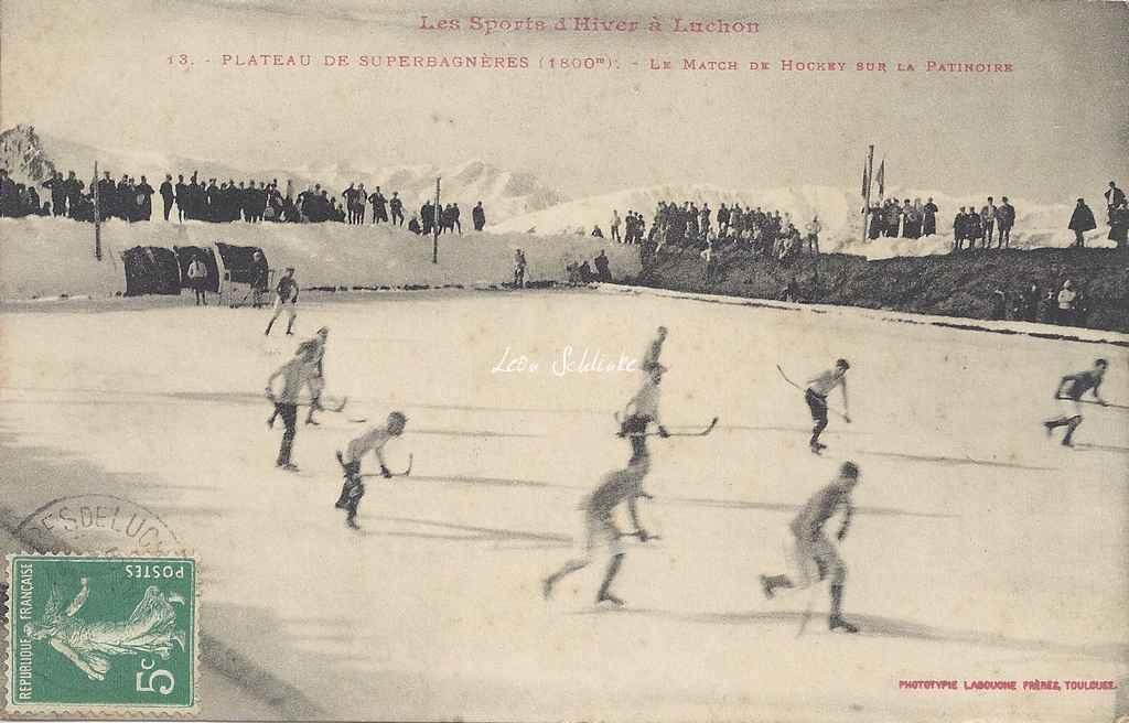 13 - Le match de hockey sur la patinoire