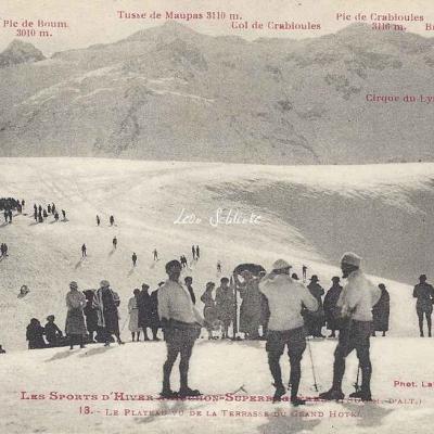 13 - Le Plateau vu de la terrasse du Grand-Hôtel