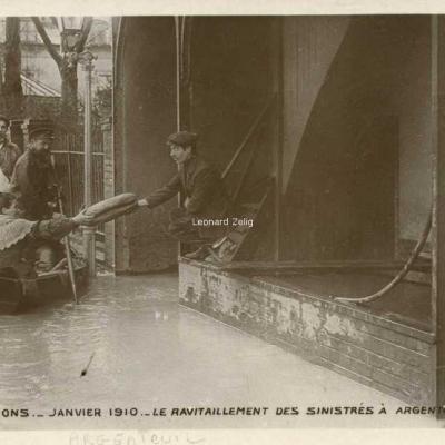 13 - Le ravitaillement des sinistrés à Argenteuil