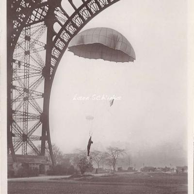 131 - Parachute Hervieu
