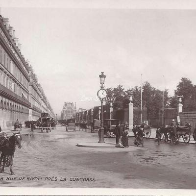 133 - La Rue de Rivoli près la Concorde