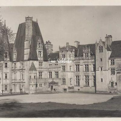14-Fontaine-Henry - Le Château (Carte-photo)