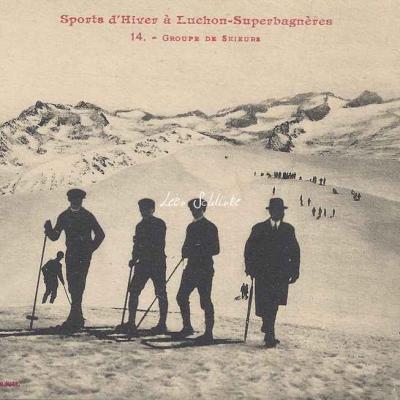 14 - Groupe de skieurs