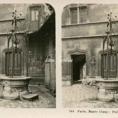 144 - Paris, Musée Cluny - Puits dans la Cour