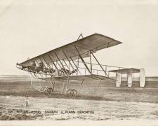 148 - Biplan Henry Farman à plans déportés