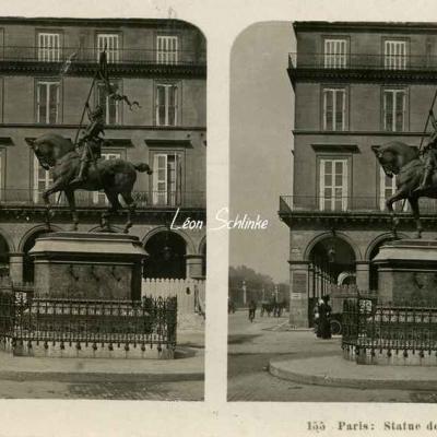 155 - Paris - Statue de Jeanne d'Arc