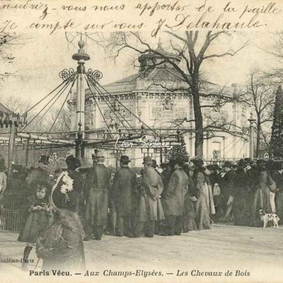 17 - Aux Champs-Elysées - Les Chevaux de Bois