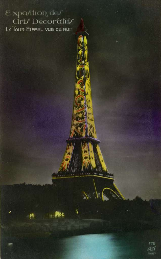 178 - La Tour Eiffel vue de Nuit