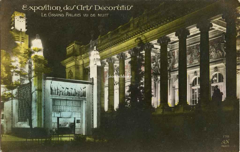 179 - Le Grand Palais vu de nuit