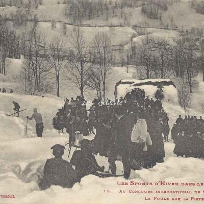 18 - La foule sur la piste