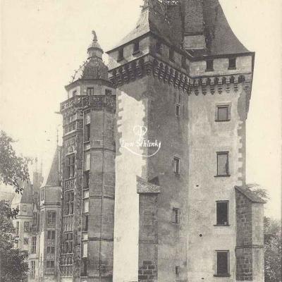 18-Meillant - Le Château (Hirondelle 244)