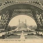 18 - PARIS - Le Trocadéro vu sous la Tour Eiffel