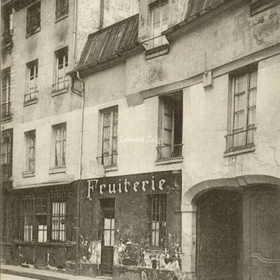 19 - Rue Chanoinesse, 24