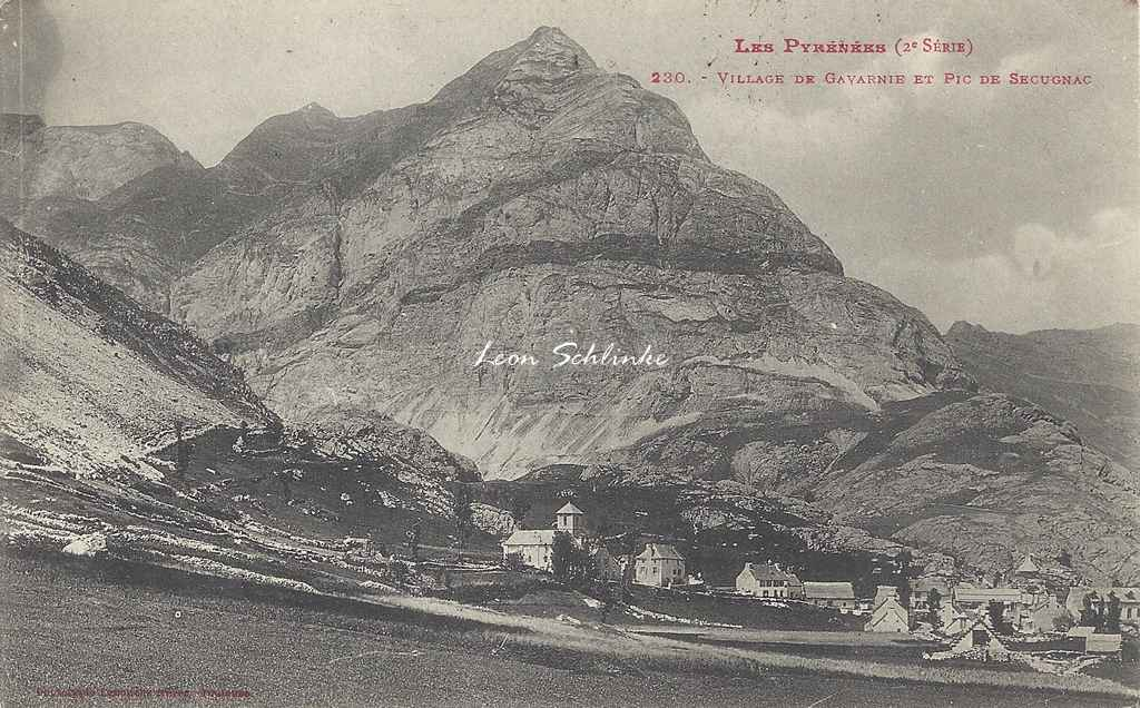 2 - 230 - Village de Gavarnie et Pic de Sécugnac