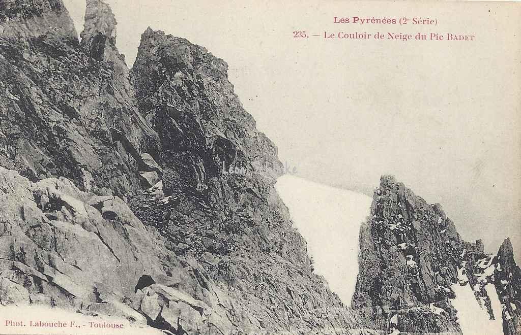 2 - 235 - Le Couloir de Neige du Pic Badet