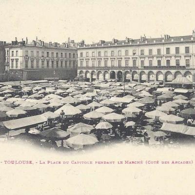 2 - La Place du Capitole pendant le Marché