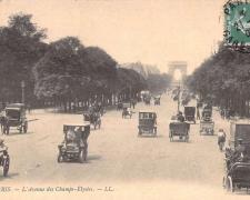 2 - PARIS - L'Avenue des Champs-Elysées