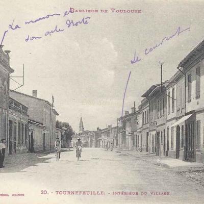 20 - Tournefeuille - Intérieur du Village