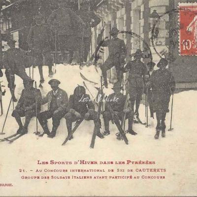 21 - Groupe des Soldats Italiens ayant participé au Concours