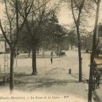 21 - La Cour de la Gare