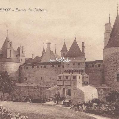 21-La Rochepot - Entrée du Château (Edit. Boulicaut)