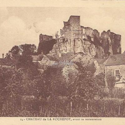 21-La Rochepot - Le Château avant restauration (La Renaissance)