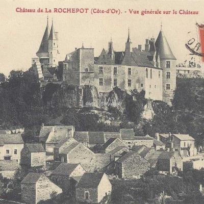 21-La Rochepot - Vue générale sur le Château (Illisible)