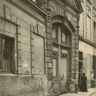 21 - Rue Saint-Julien-le-Pauvre