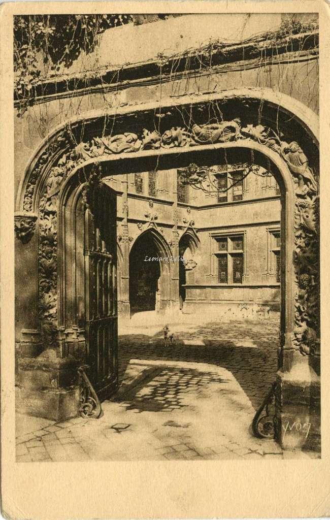 214 - Musée de Cluny - Porte d'entrée