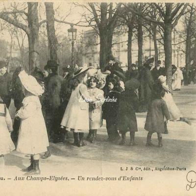 22 - Aux Champs-Elysées - Un rendez-vous d'Enfants