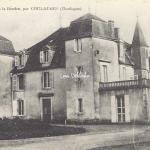 24-Coulaures - 102 - Château de la Roche (O.Domège)
