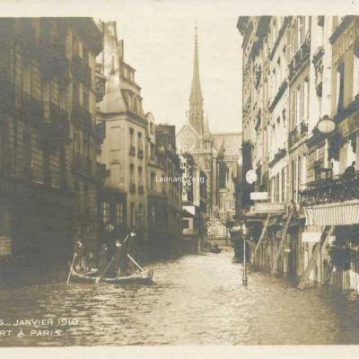 24 - Place Maubert à Paris